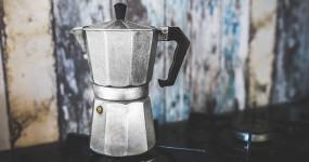 Jak správně připravit kávu v moka konvičce